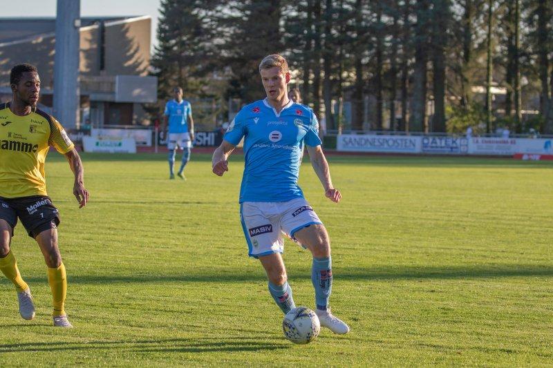 Ari Jónsson spilte 90 minutter mot Norge på Ullevaal. Foto: Rune Eikeland