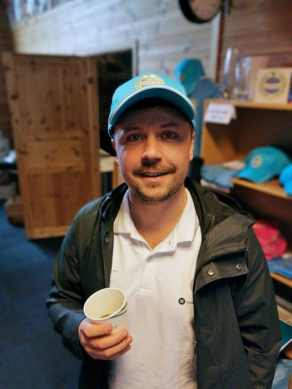 Medisinsk koordinator Steffen Vasbø bidrar til spleiselaget.